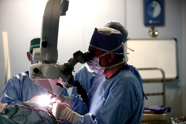 بهترین جراح دیسک کمر و ستون فقرات